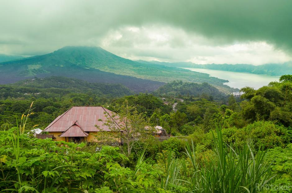 Вулкан Гунунг-Батур. След от схода лавы.