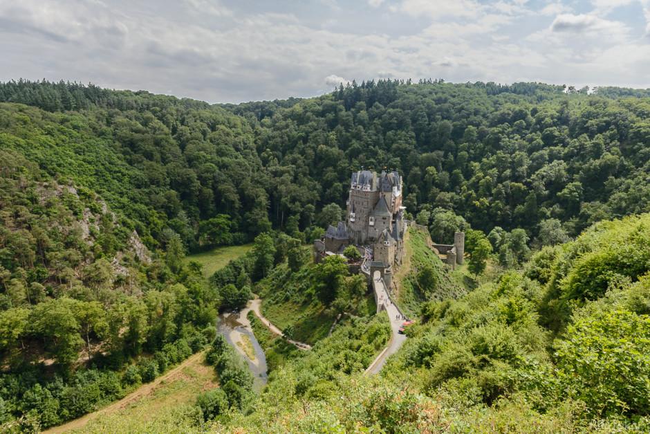 Смотровая площадка. Вид на замок Эльц.